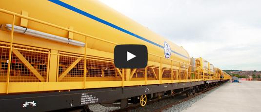 Crossrail welcomes 465 metre long concreting train